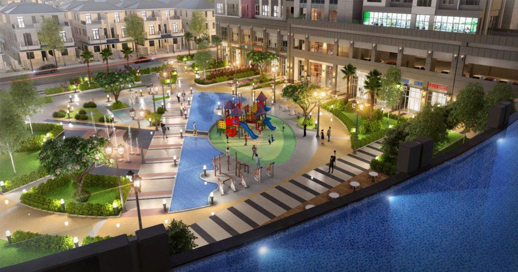 Khuôn viên vui chơi với diện tích rộng, có khu vui chơi dành riêng cho trẻ em