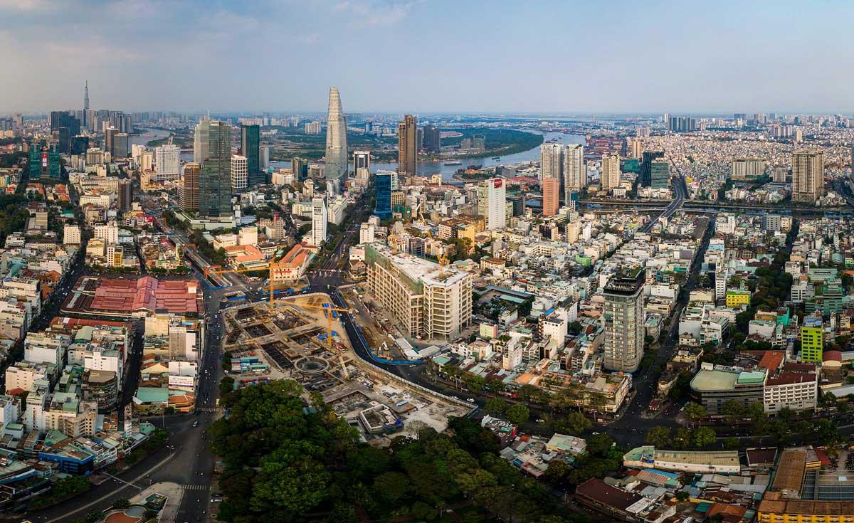 One Central Saigon đối diện chợ Bến Thành và nhà ga Metro